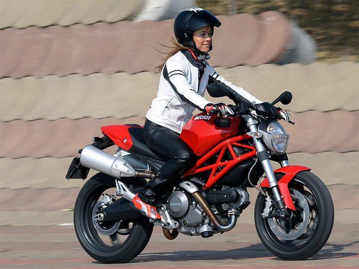 Ducati 696 MONSTER 2008 - 31