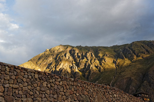 canon eos 600d t3i ollantaytambo peru pérou travel walls mountains landscape sunset