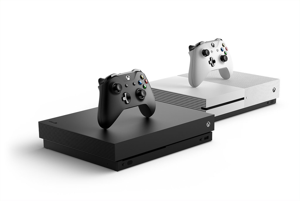 Xbox-One-X-Lead_Consol_Hrz_Family