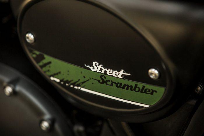 Triumph 900 Street Scrambler 2018 - 13