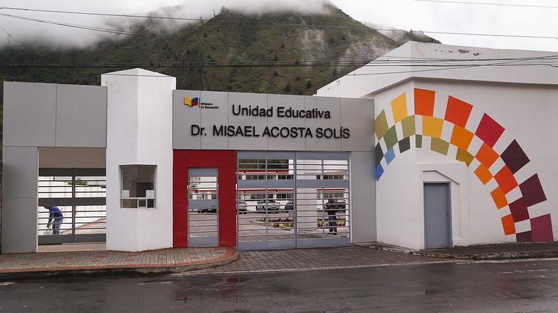 Entrega Repotenciación Unidad Educativa Dr. Misael Acosta Solís