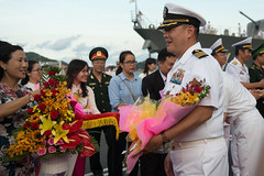 U.S. Navy Capt. Stanfield Chien receives a welcoming gift during the opening ceremony for Pacific Partnership 2017 Khanh Hoa. (U.S. Embassy Hanoi)