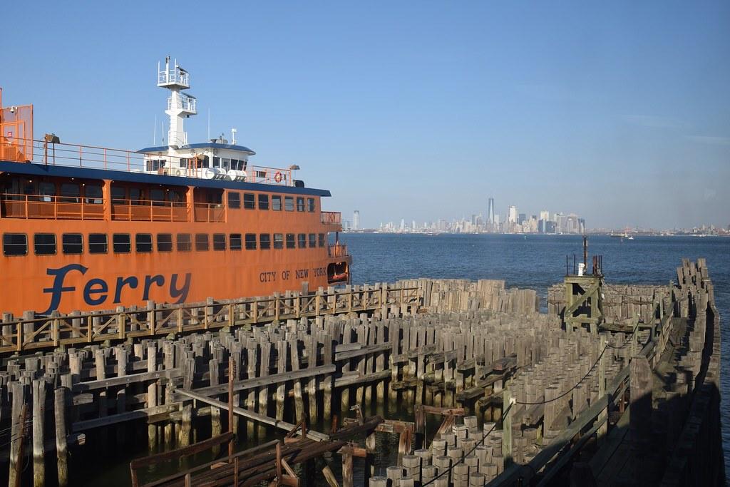 El ferry.