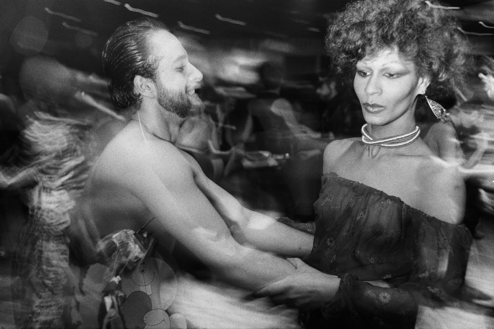 70年代美國紐約傳奇夜店「Studio 54」,政商名流性解放、嬉皮爆棚的 Disco 盛世7