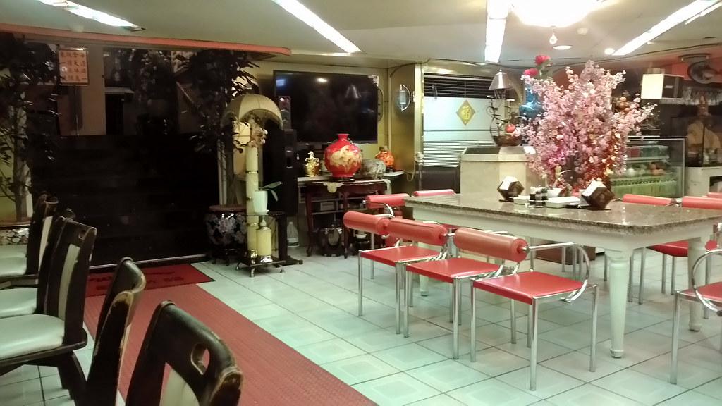 東一排骨店內 2014-10-04
