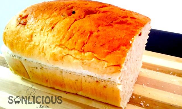 Pure Semolina bread sliced