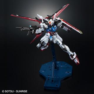 MG 1/100 翔翼型攻擊鋼彈(エールストライクガンダム) Ver.RM  [透明版 CLEAR COLOR]【GBT限定】