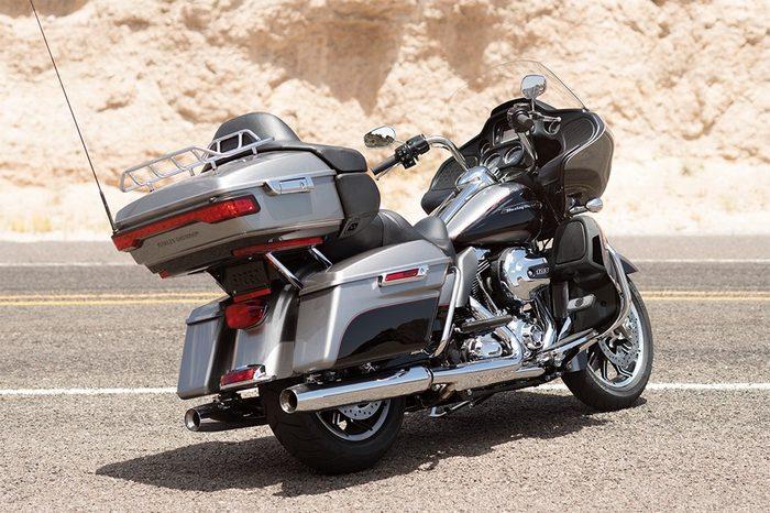 Harley-Davidson 1690 ROAD GLIDE ULTRA FLTRU 2016 - 9