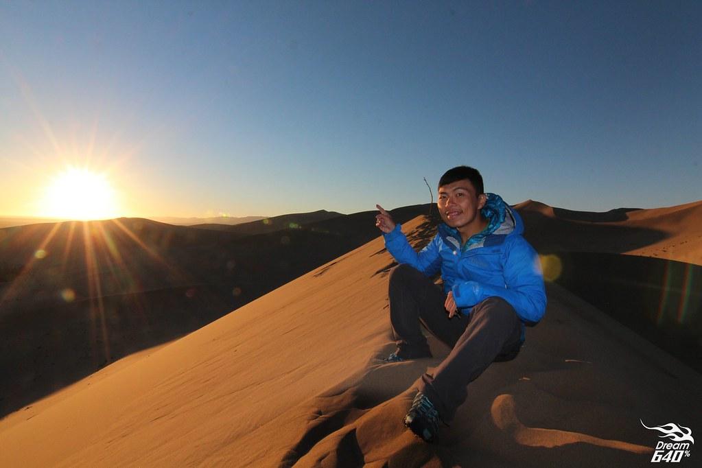 敦煌-鳴沙山月牙泉-沙漠露營-09