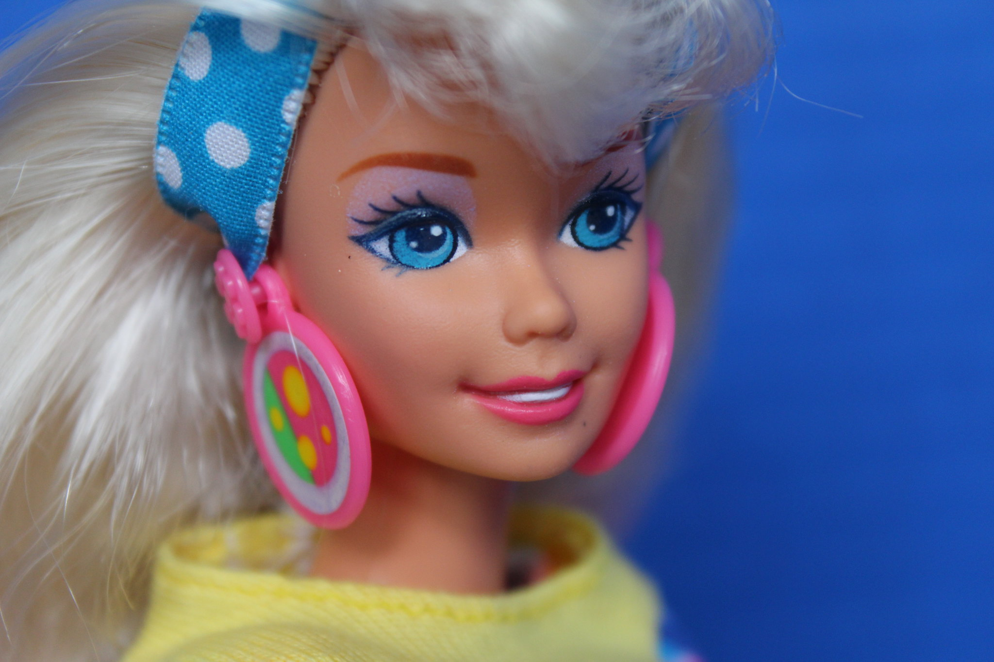 Collection Close Up: POG Fun Barbie (1995) | Confessions of a Doll
