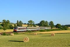 SNCF BB 67441 + Intercités 3888 te Tugeras-Saint-Maurice - Photo of Jussas