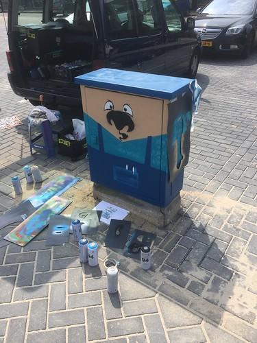 Voor winkel hart colmschate 2 markt  #Elektriciteitkast beschilderd met 4x een #marktkoopman #DearsEGD. Leuk klusje weer. #opdemarktisjeguldeneendaalderwaard #demarktvanallemarktenthuis