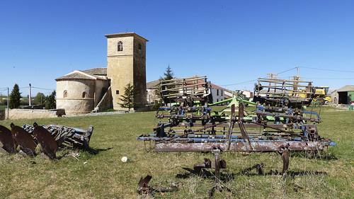 Antigua maquinaria agrícola. El Olmo, Barbolla (Segovia)