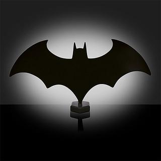 「讓你每天睡得又香又甜!!」ThinkGeek【蝙蝠標誌夜燈】Batman Eclipse Light
