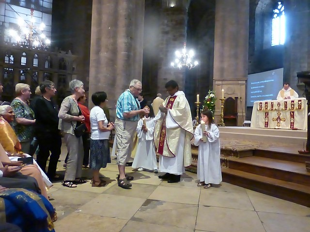 2017 06 25 Ordination presbyérale Manoj Visuvasam, cathédrale de Rodez (248)