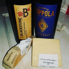 #wineandcheese #cabernetsauvignon #aged #gouda #merlot #vintage #cheddar #youfancyhuh #comedrinkwithme #coppolawinery