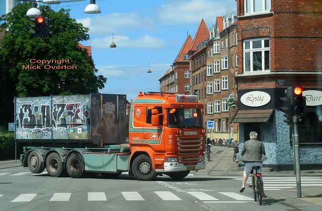 Scania R490 AW79016 tipper, Nikon COOLPIX S6800