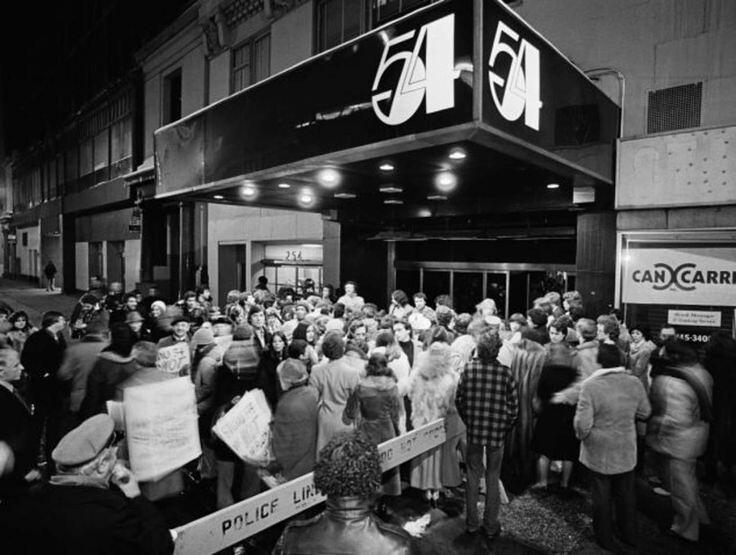 70年代美國紐約傳奇夜店「Studio 54」,政商名流性解放、嬉皮爆棚的 Disco 盛世8