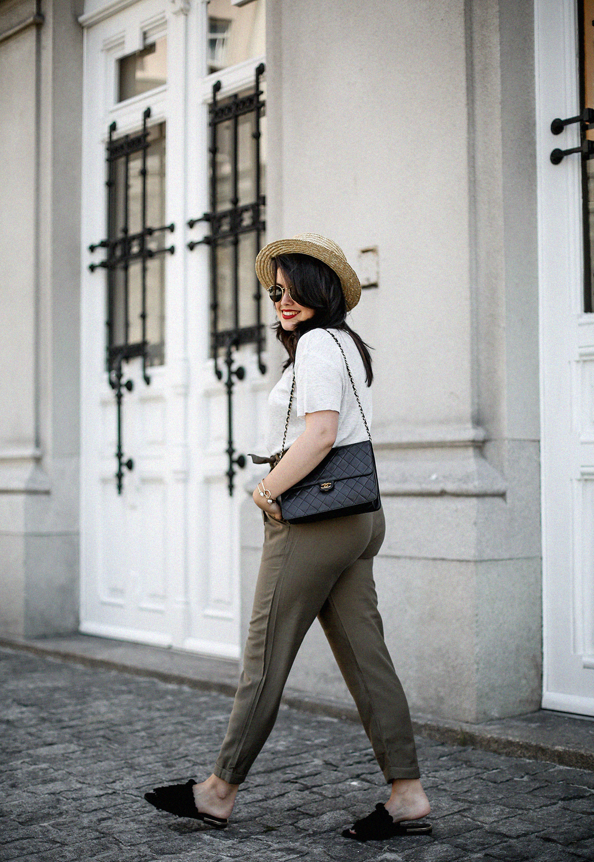 pantalones-verdes-altos-palas-borlas-zara-canotier-look-myblueberrynightsblog10