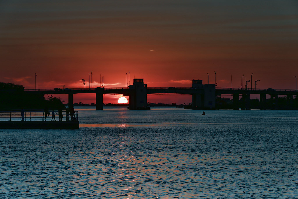 Hotels Near Robert Moses State Park