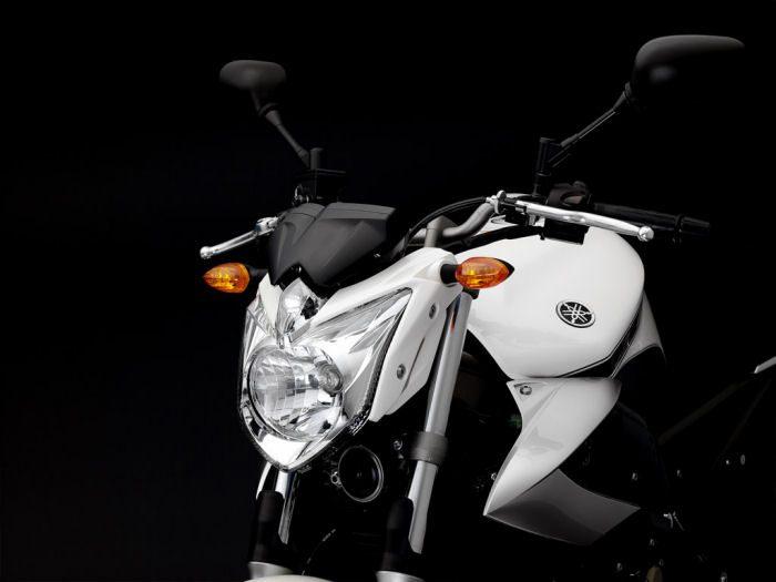 Yamaha XJ6 600 2013 - 20