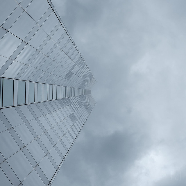 Looking Up in Chicago 3/5, Fujifilm X-T1, XF35mmF1.4 R