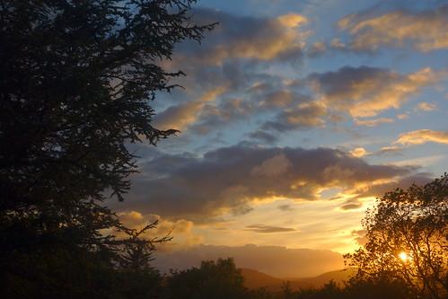 wales gwent newport alltyryn landscape sunset trees silhouette clouds sky blue orange hills weather naturethroughthelens bej supershot