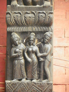Varanasi 103c - wood carving