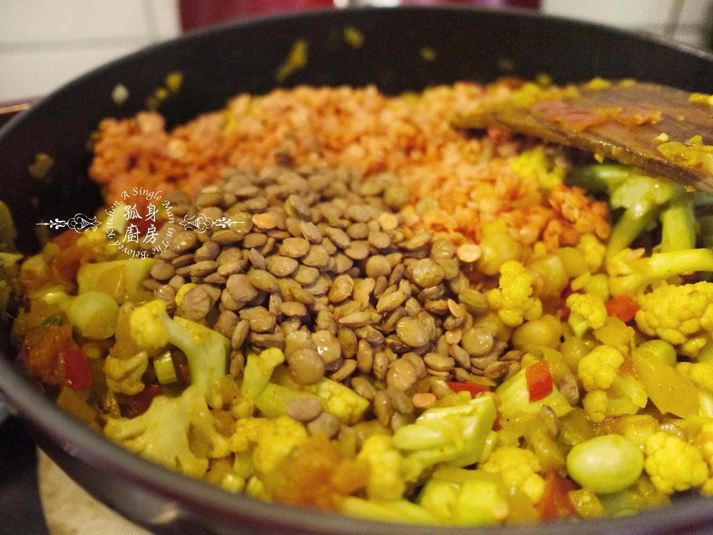 孤身廚房-Staub媽咪鍋煮超滿的印度蔬食花椰菜咖哩25