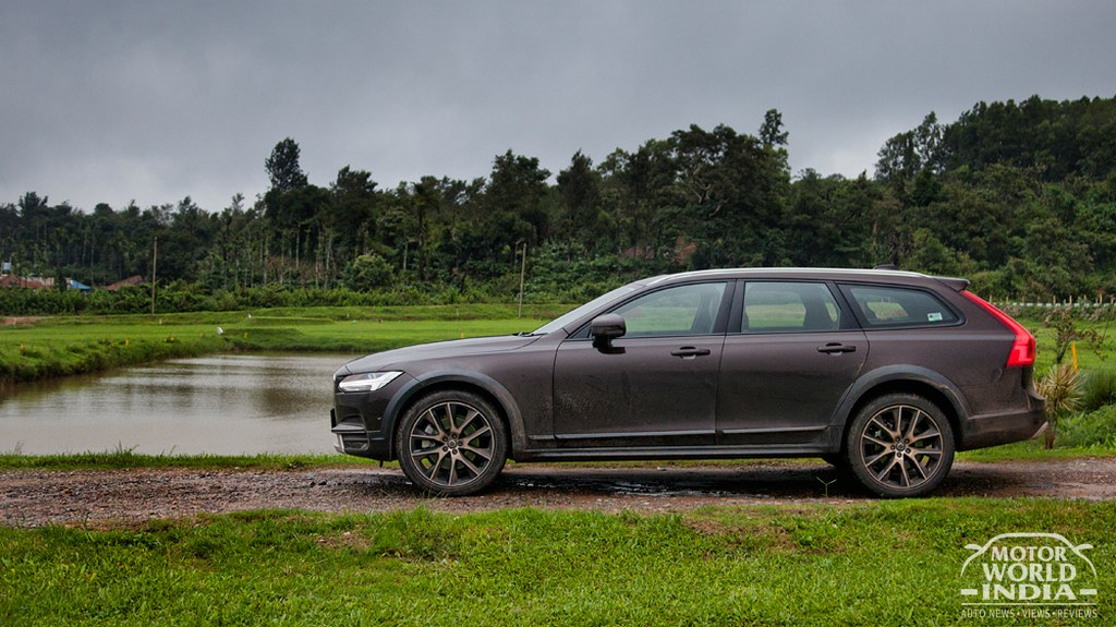 Volvo-V90-Cross-Country-Exteriors (8)