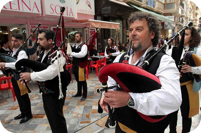 Santiago marchará acompañado de gaitas escocesas