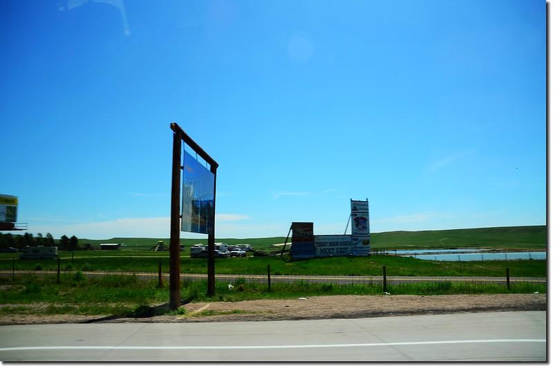 Colorado、Wyoming state line