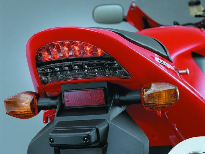 Honda CBR 900 RR FIREBLADE 2003 - 41