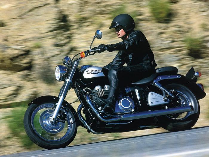 Triumph 800 BONNEVILLE AMERICA 2001 - 19