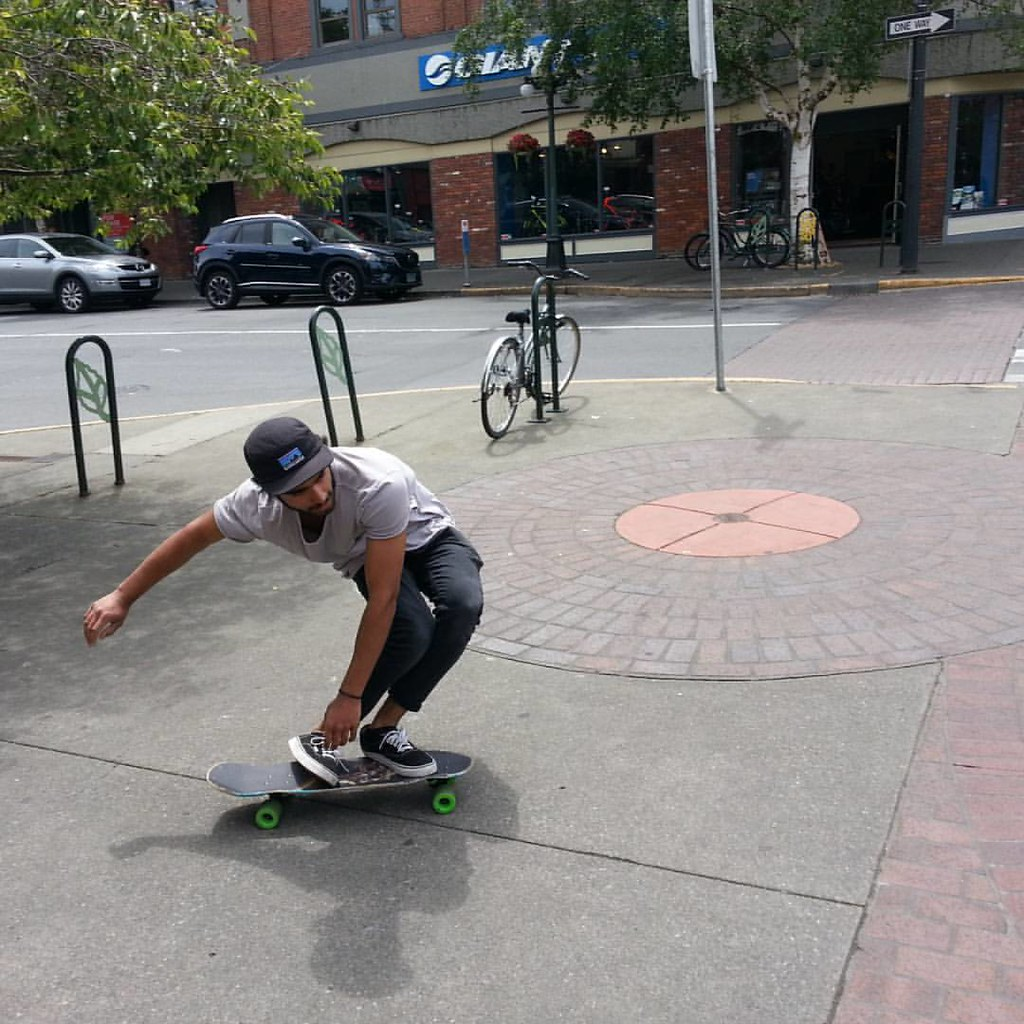 Labs on location in Victoria with skater Amrit. #boarderlabs #skatevictoria #flannelmonkeys #skakeeverything #broadstreet
