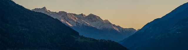 sunset at the mountains, Sony ILCA-77M2, Sigma 18-250mm F3.5-6.3 DC OS HSM