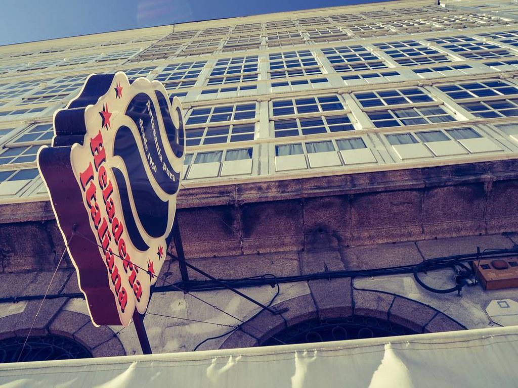 Esperando al sol y al verano. #olympusomd10markii #icecream #Coruña #photography #olympus #heladeriaitaliana