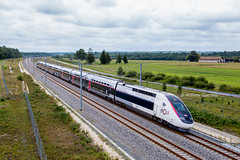 01 juillet 2017  TGV D 860  Train 27652 Bordeaux -> Paris  Lapouyade (33) - Photo of Clérac