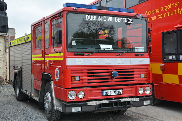Dublin Civil Defence 1995 Dennis SS239 JDC WrT 95D120002 (Ex Staffordshire M115WVT)