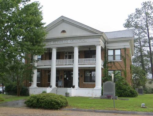 Oates-Reynolds Memorial Building Newton AL