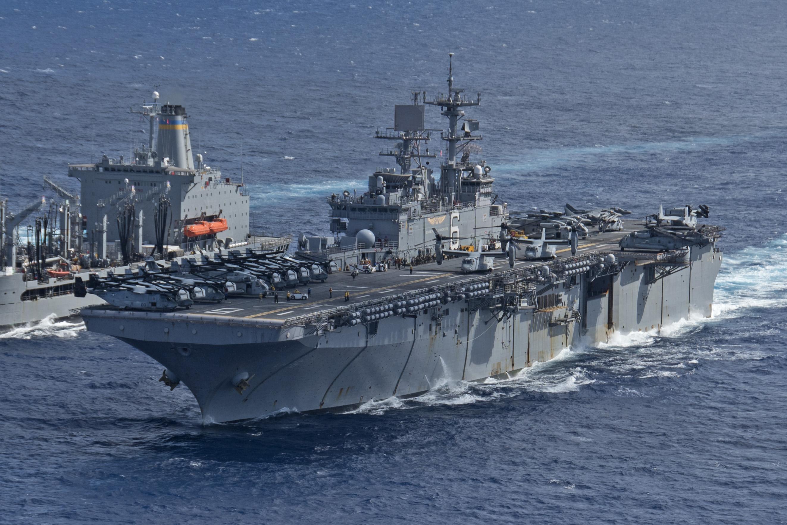 Amphibious assault ship (LHA - LHD - LPD) - Page 4 35929144205_9fdafb2749_o