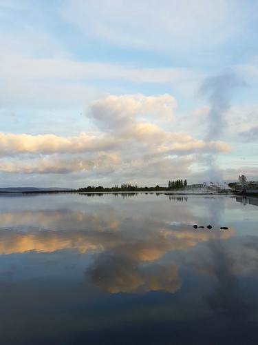 lake laugarvatn iceland sunset water reflection clouds sky oe