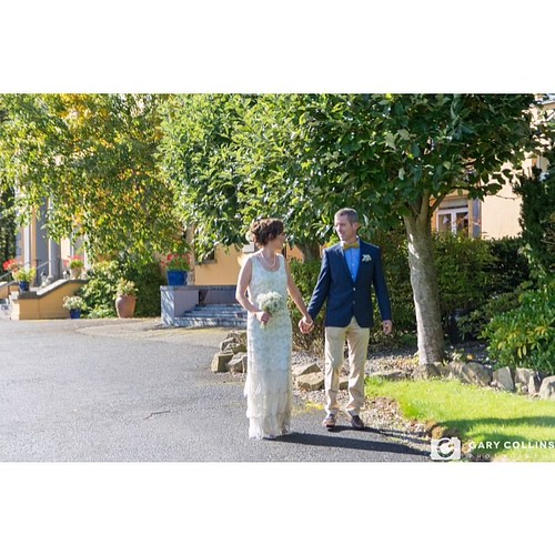 Just the two of us | A nice relaxing stroll around the grounds of @themustardseed after their #intimatewedding on a #sunnyday #countryhouse #countryhousewedding #wedding #weddingday #instawedding #weddingshoes #weddingdress #weddingphotography #weddingpho