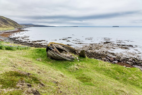 oldboat shore coast water sea tunglending day canon clouds cloud cliff nationalgeographic ngc nature landscape photo picture outdoor iceland ísland boat einarschioth