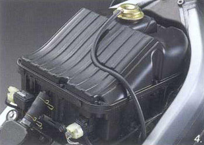 Honda RVF 750 R - RC 45 1994 - 12
