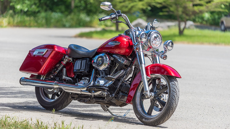 "Harley Davidson Motorcycle Pin//Badge Model /"" Road King /"" Black Nr.1057"
