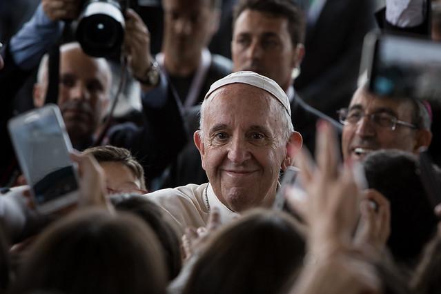 Papa Francisco elogia sindicatos e clama por novo pacto social