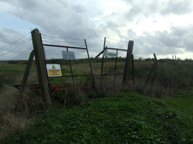 Footpath near Stoke, Isle of Grain