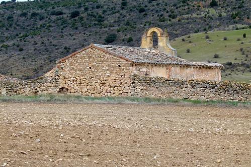 BUJALCAYADO (Sigüenza). Guadalajara. Spain. 2015. Sierra Norte. 6 habitantes (INE 2015). Antiguas salinas. Almacenes (ruinas).