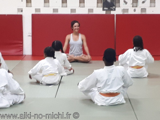 Séances de Yoga animée par la mère de Loussa prof de yoga